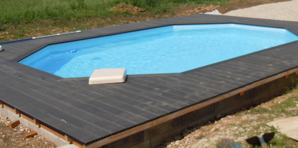 Terrasse bois besan on montb liard pontarlier doubs 25 for Piscine tours